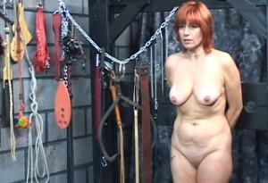Perverzák bičuje vdanou ženu (HD porno)