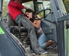 Ošukání přítelkyně v traktoru – české porno