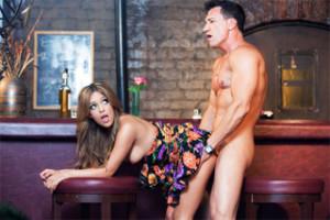 Hosté baru Marco Banderas a Melanie Rios si to rozdají na place!