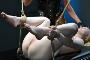 Kamarádky dobrovolně podstoupí sado maso hrátky! – BDSM porno