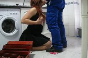 Pornokalendář DV 18.6 – Opravář Milan ukojí vdanou paničku