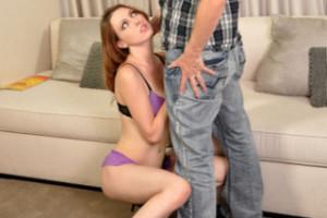 Zadlužená holčička Megan Loxx prcá s nevlastním otcem – rodinné porno